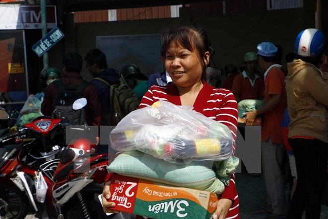 Tìm người nhận túi về gia công tại nhà- phunukieuviet.com